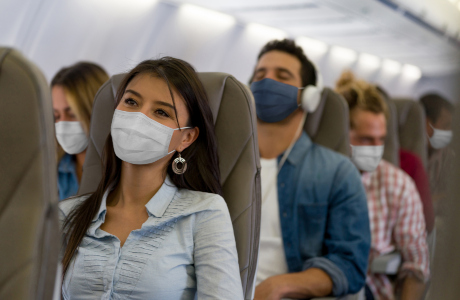 Risk of infection on the plane - passengers wearing masks